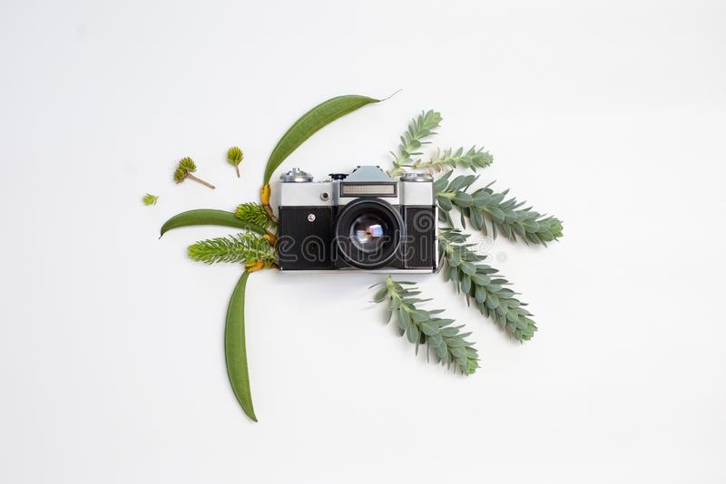 Rocznik fotografii retro kamera na białym tle obrazy royalty free