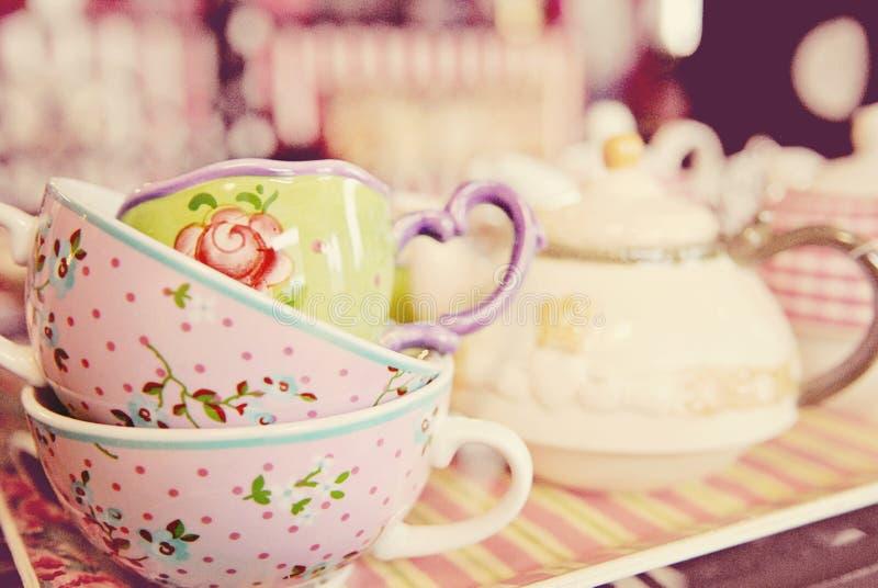 Rocznik herbaciane filiżanki obrazy royalty free