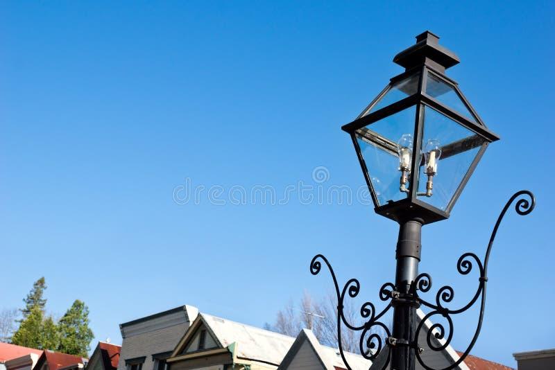 Rocznik latarnia uliczna w miasteczku fotografia stock