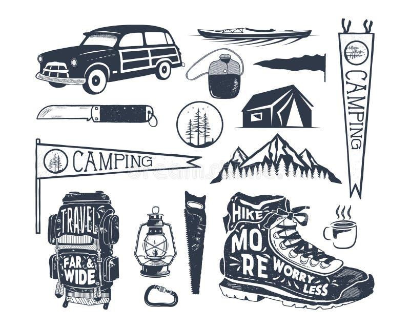 Rocznik przygody ręka rysujący symbole, wycieczkujący, obozuje kształty plecak, banderka, kajak, kipiel samochód, lampion retro ilustracja wektor