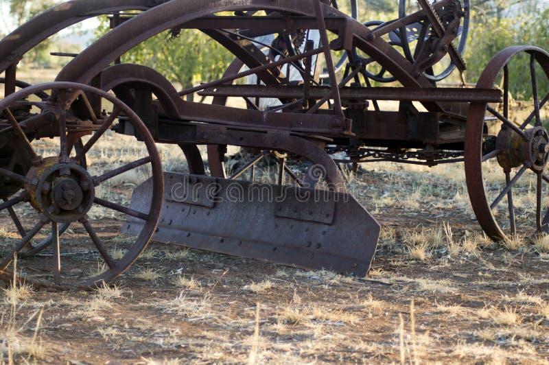 Rocznik rolna maszyneria w parku obrazy royalty free