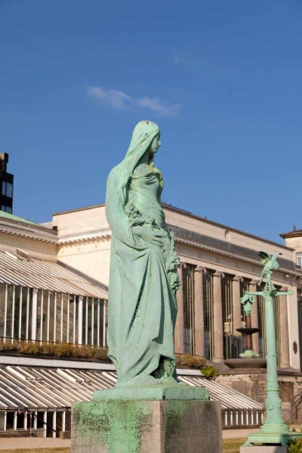 Rocznik statua w parkowym Botanique zdjęcia royalty free
