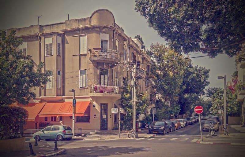 Rocznik stylowa fotografia Starzy budynki w Tel Aviv Historycznym centrum miasta zdjęcie royalty free