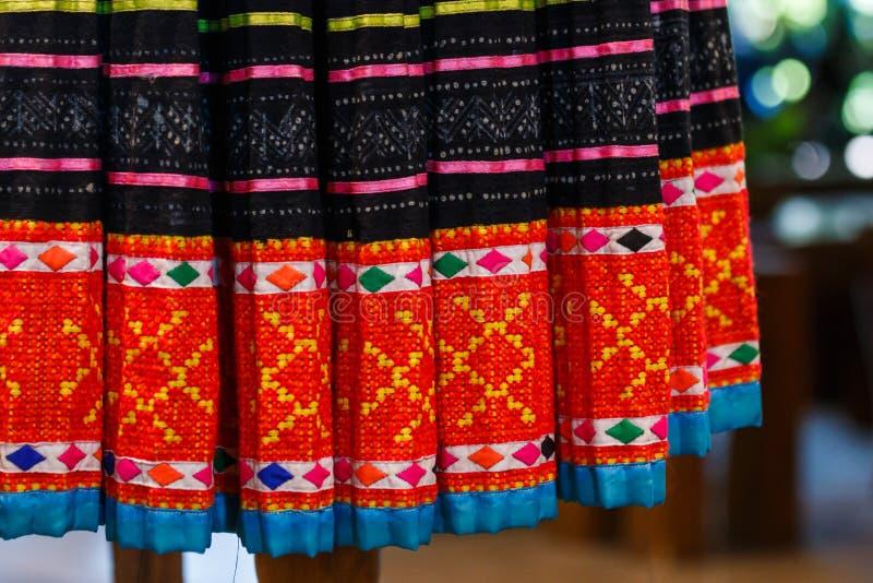 Rocznik tkanina - Kolorowy Tajlandia stylu dywanika powierzchni zakończenie w górę rocznik tkaniny zrobi wyplatająca bawełniana t obrazy royalty free