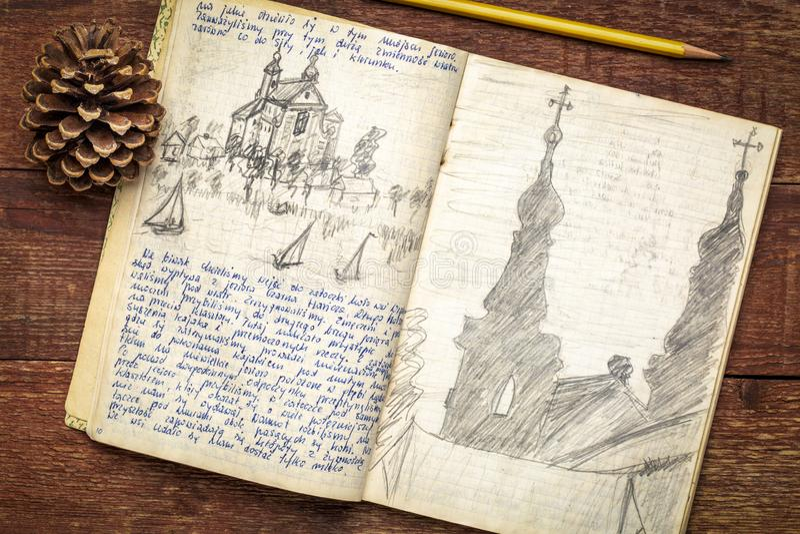Rocznik wyprawy czasopismo na nieociosanym drewnie obrazy royalty free