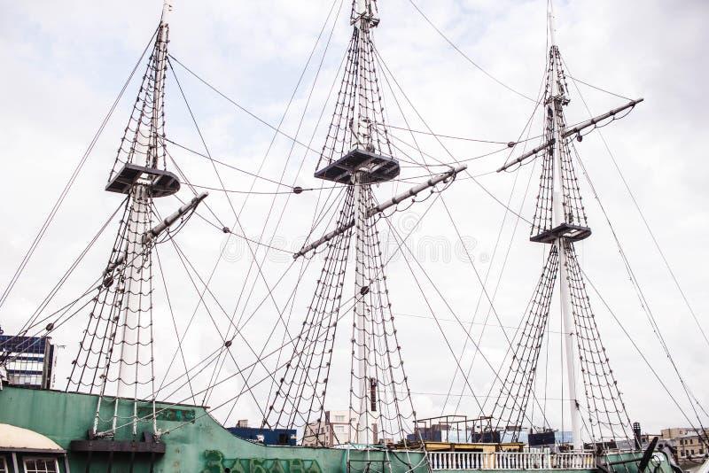 Rocznika żeglowania statku trzy drewniani maszty fotografia royalty free
