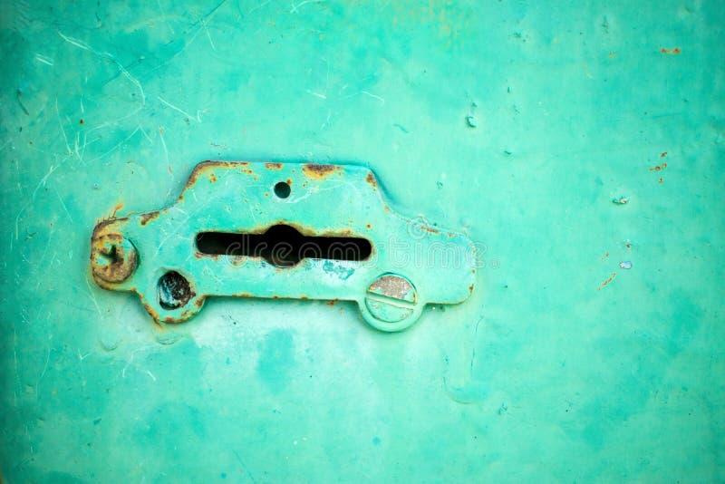 Rocznika żelazny keyhole w formie samochodu obrazy stock