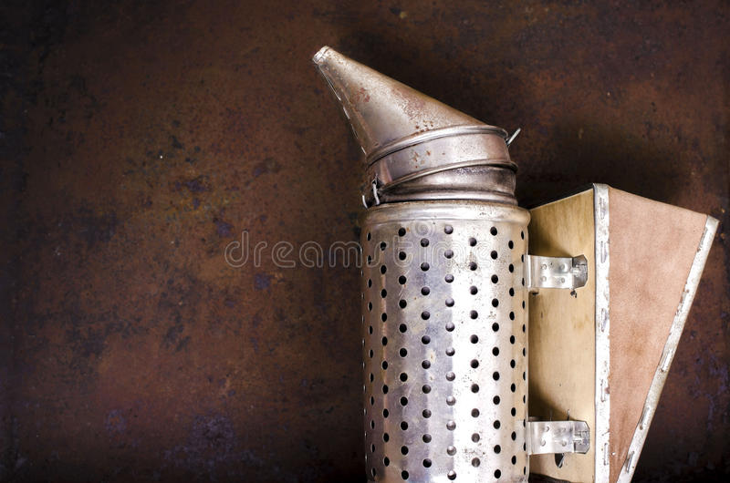 Rocznika beekeeping palacz obraz stock