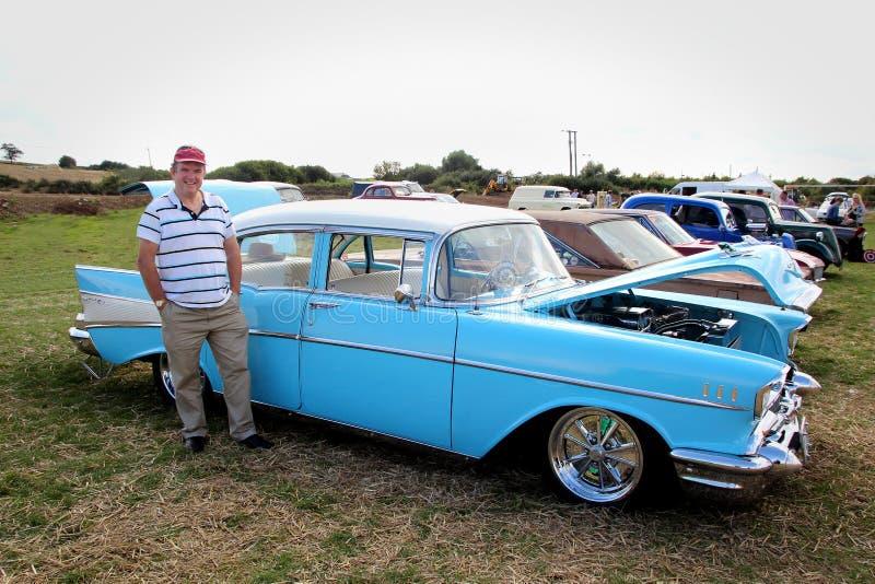 Rocznika chevroleta bela powietrza 1957 samochód obraz stock