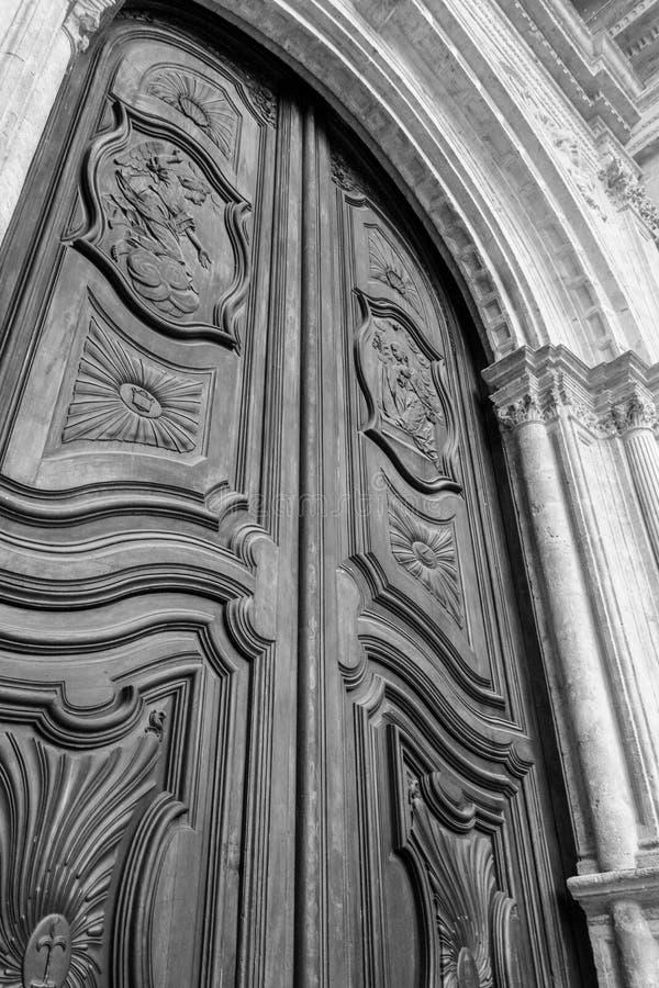 Rocznika drewna drzwi zdjęcie royalty free