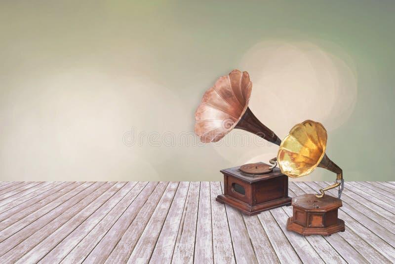 Rocznika fonograf, dokumentacyjny gracz, gramofon na Stubarwnym de fotografia stock
