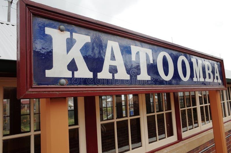 Rocznika Katoomba znak przy stacją kolejową zdjęcie stock
