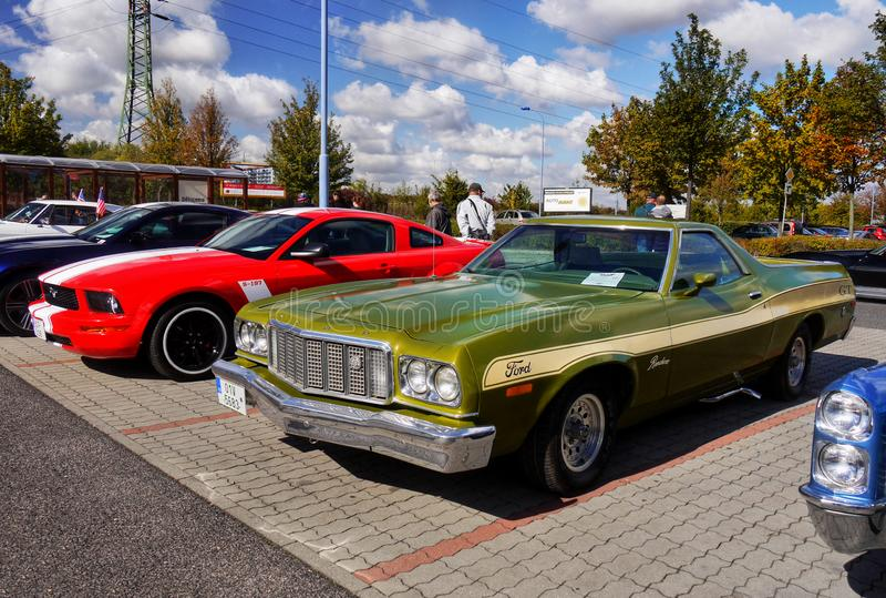 Rocznika Luksusowy samochód, Ford Ranchero zdjęcie stock