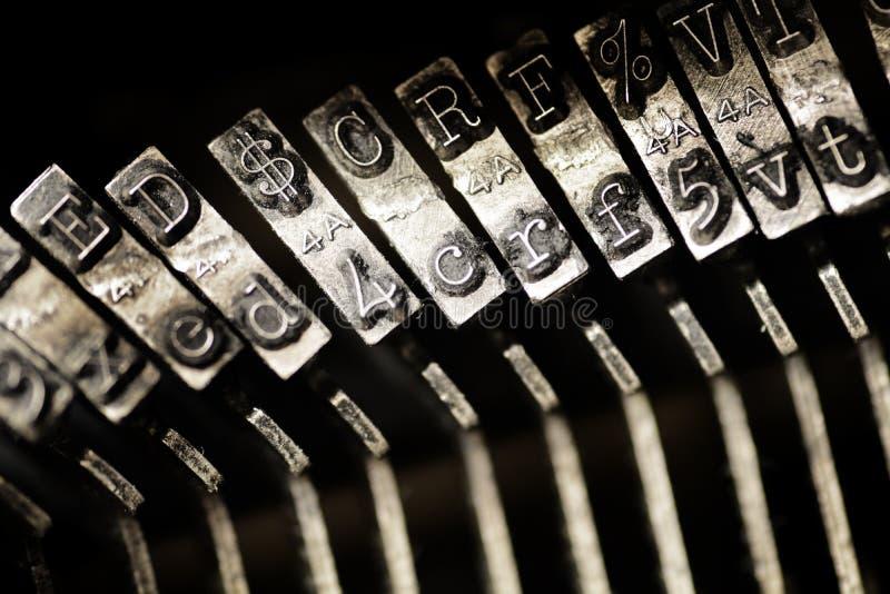 Rocznika maszyna do pisania Starzy klucze i charaktery zdjęcie royalty free