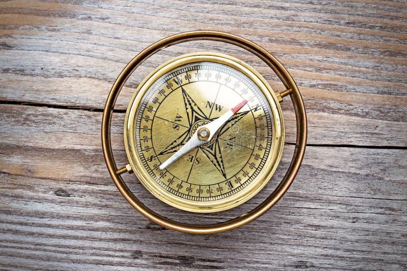 Rocznika mosiądza kompas fotografia stock