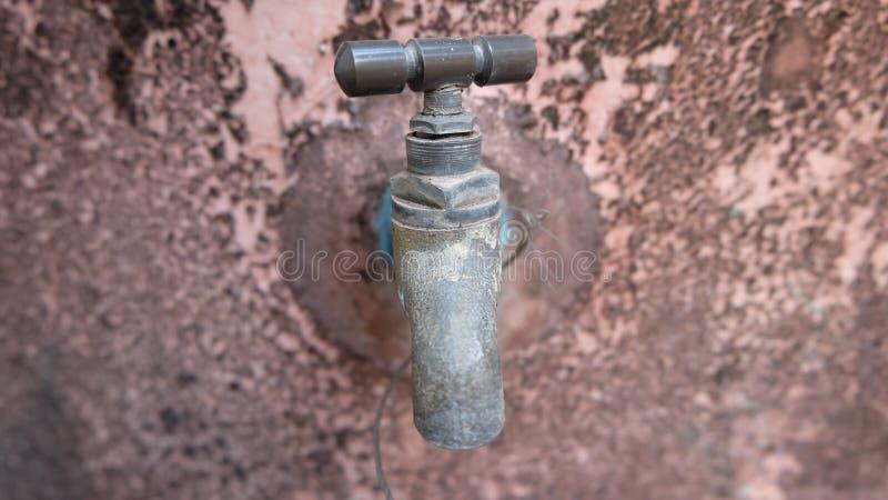 Rocznika mosiężny wodny klepnięcie obrazy stock