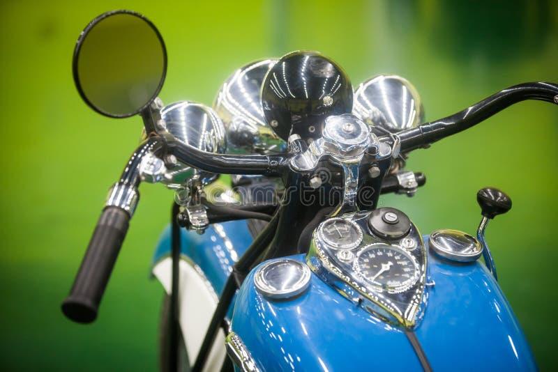Rocznika motocyklu szybkościomierz i handlebars fotografia stock
