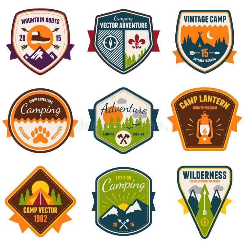 Rocznika obóz letni i plenerowe odznaki ilustracja wektor