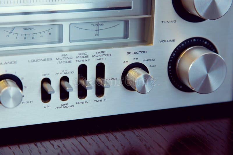 Rocznika odbiorcy Audio Stereo przód - panel kontrole zdjęcia royalty free