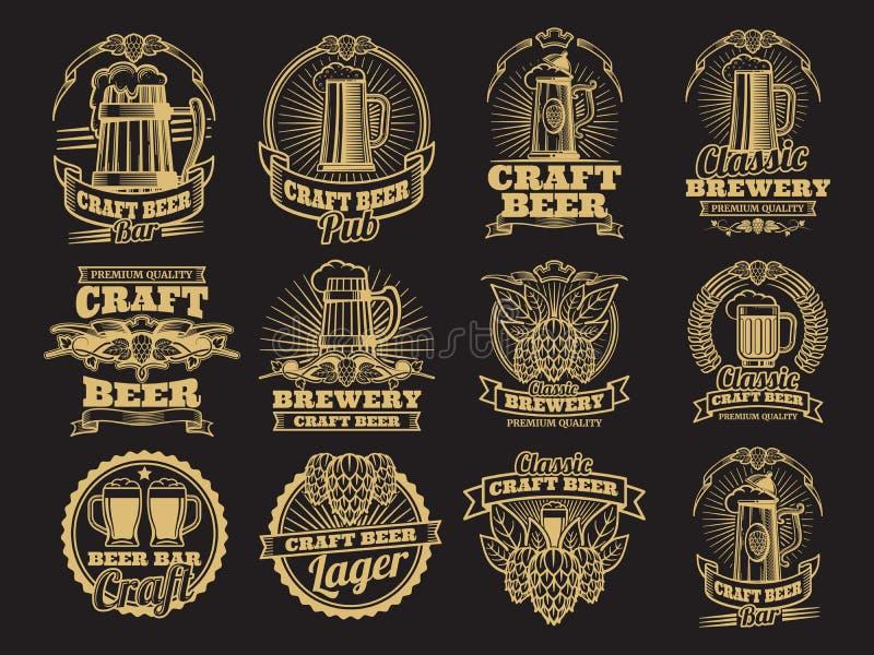 Rocznika piwa wektorowe etykietki na czarnym tle ilustracja wektor