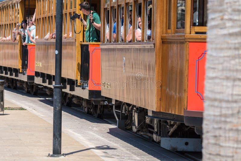 Rocznika pociąg, tramwaj w Portowym De Soller, Mallorca fotografia stock