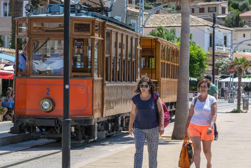 Rocznika pociąg, tramwaj w Portowym De Soller, Mallorca zdjęcia stock