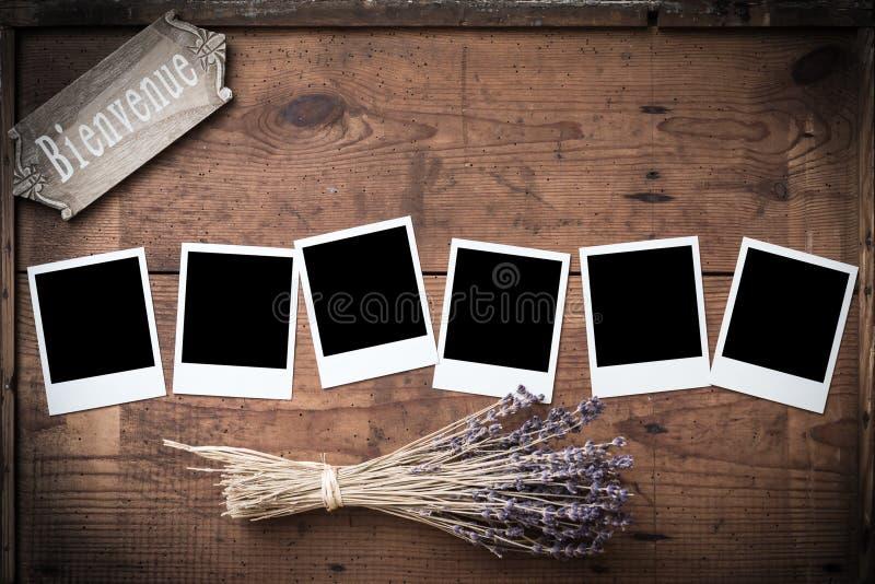 Rocznika polaroidu fotografii rama na drewnie z lawendą i znakiem fotografia royalty free