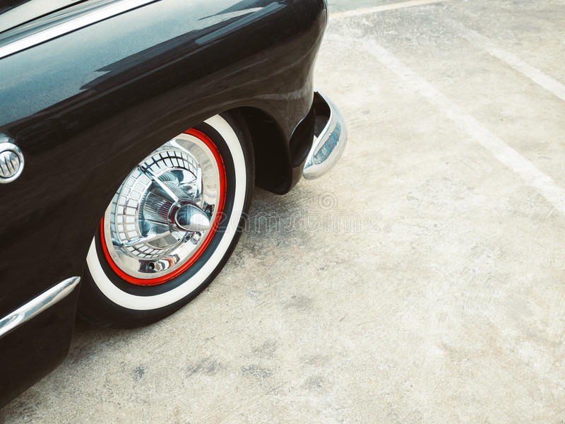 Rocznika Samochodowy klasyczny Samochodowy Retro stylowy koło rozdziela zdjęcie royalty free