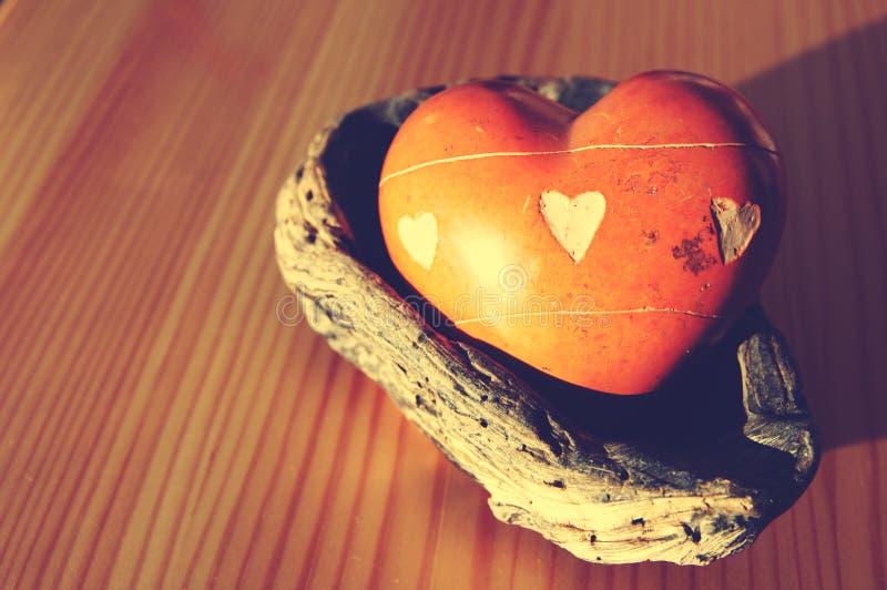 Rocznika serce od kamienia w zlew zdjęcie stock
