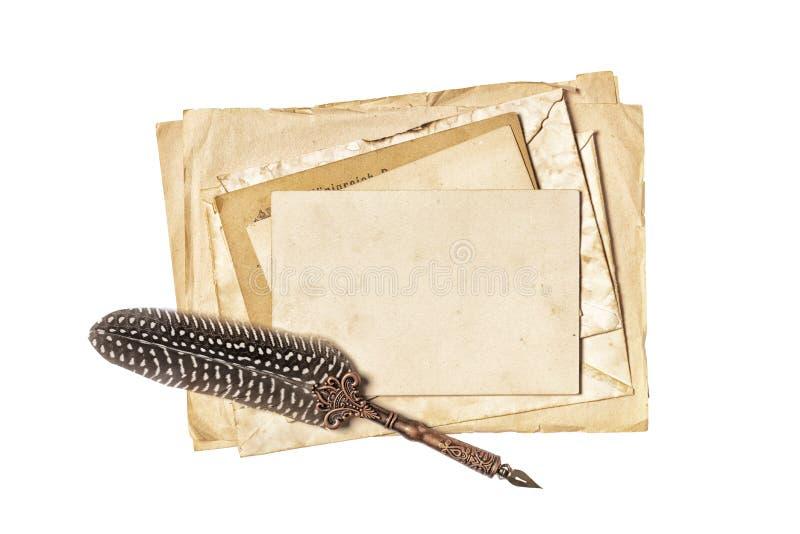 Rocznika skład z egzaminem próbnym w górę starych papierów prześcieradeł i dutki pióra fotografia royalty free