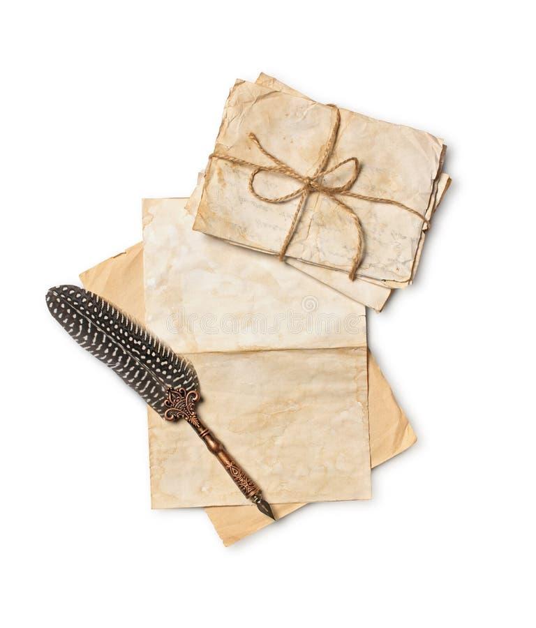 Rocznika skład z wiązką starzy listy i dutki pióro zdjęcie royalty free