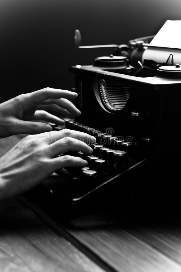 Rocznika stary maszyna do pisania, selekcyjna ostrość. zdjęcia royalty free