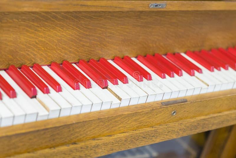 Rocznika stary pianino Zakończenie klawiaturowi klucze zdjęcie royalty free