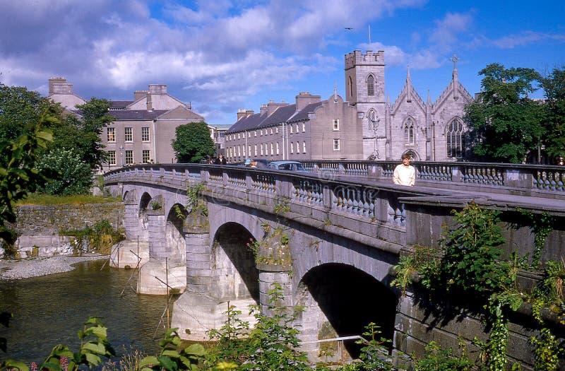 Rocznika wizerunek Łososiowy jazu most w Galway, Irlandia fotografia royalty free