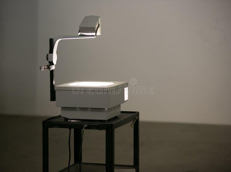 Rocznika zasięrzutny projektor na stojaku obrazy stock