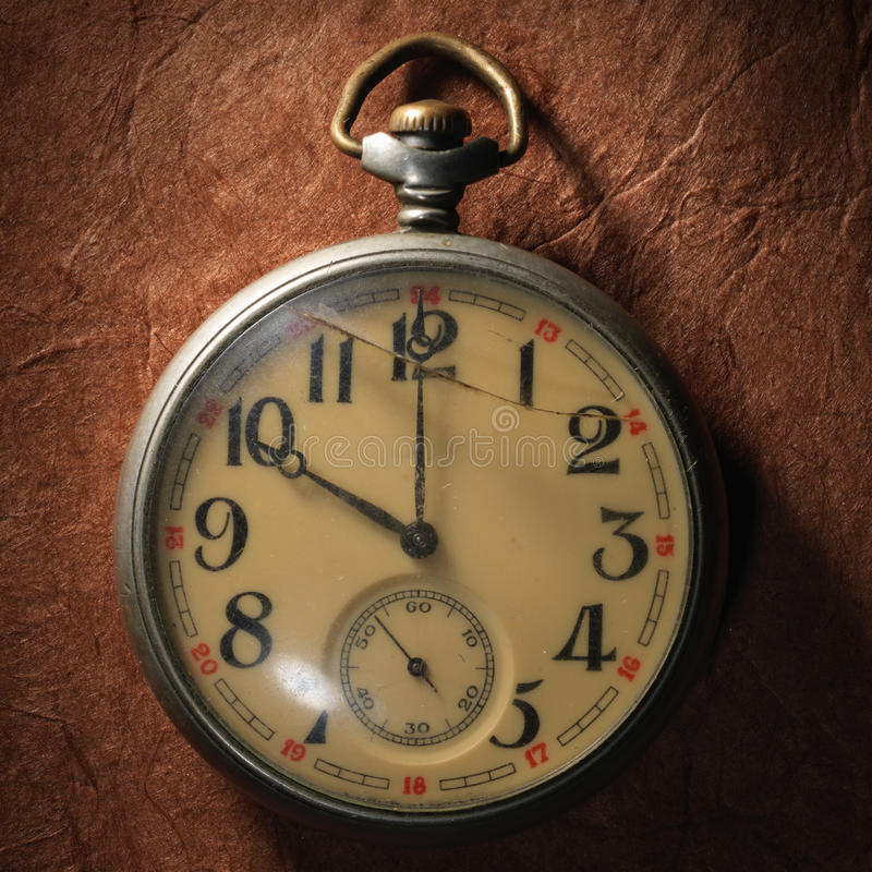 Rocznika zegar na starym papierze zdjęcia royalty free