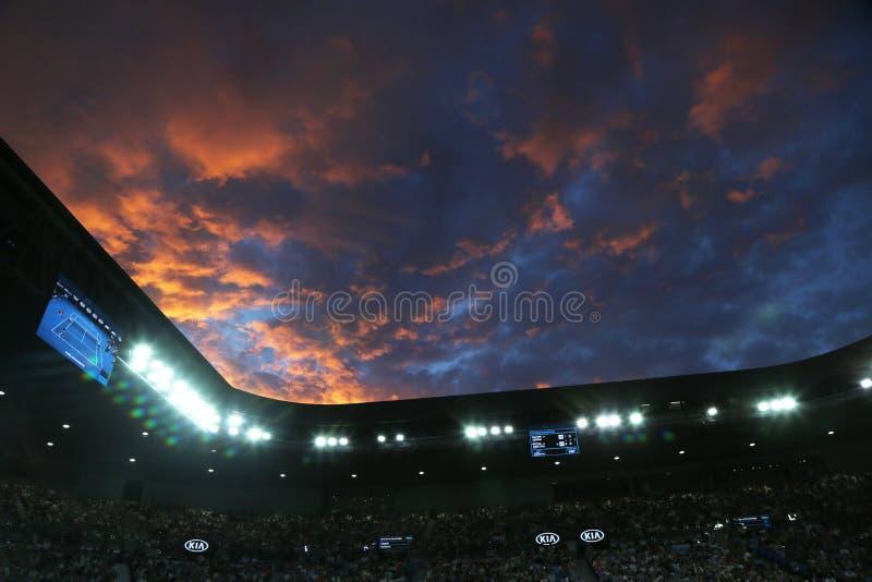 Rod Laver Arena durante el partido 2019 de Abierto de Australia en el centro australiano del tenis en el parque de Melbourne imagen de archivo