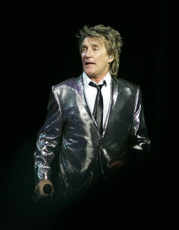 Rod Stewart wykonuje w koncercie obraz royalty free