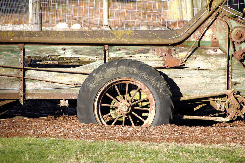 Roda antiquado de Spoked fotografia de stock royalty free