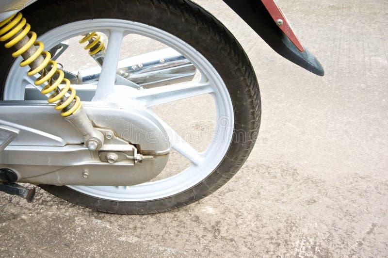 Roda da liga do magnésio da motocicleta e do amortecedor fotografia de stock