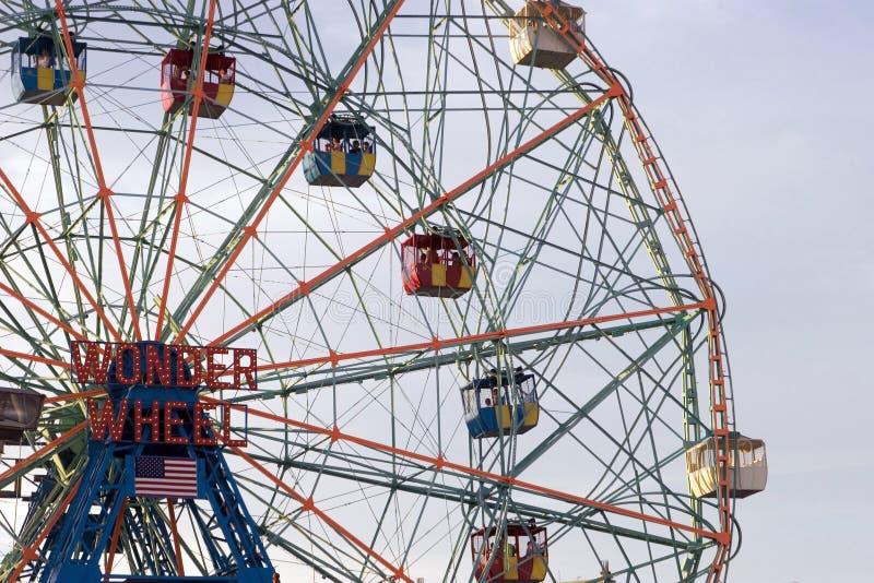 Roda da maravilha no parque de Astroland do console de Coney fotografia de stock royalty free