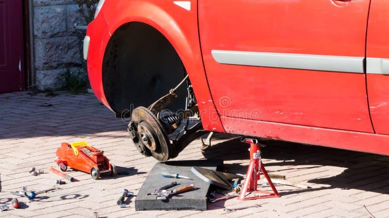 Roda de carro quebrada fotos de stock royalty free
