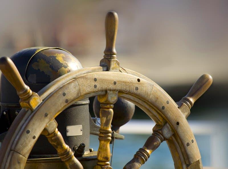 Roda de direcção do barco imagens de stock royalty free