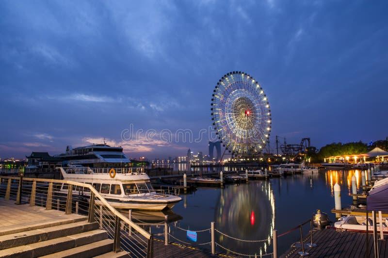 A roda de Ferris em Suzhou, China imagem de stock royalty free