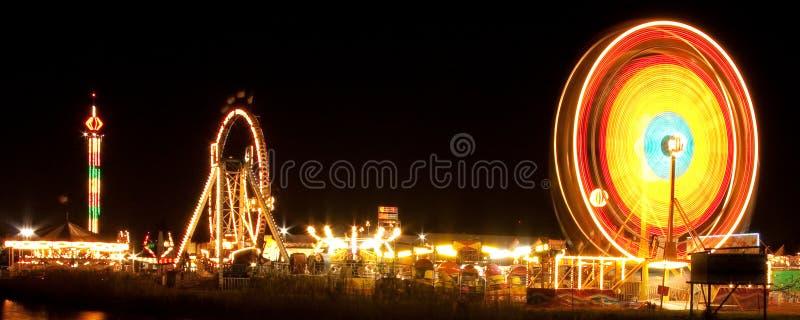 Roda de Ferris na noite fotografia de stock royalty free