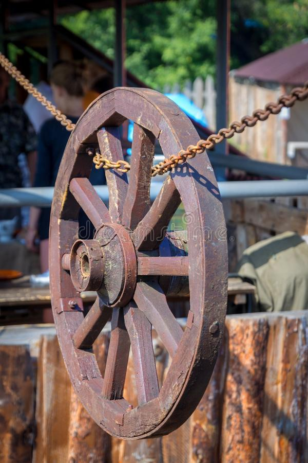 Roda de madeira foto de stock royalty free