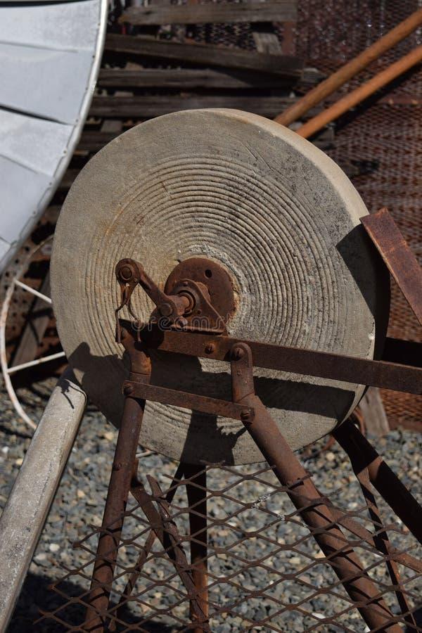 Roda de moedura de pedra antiga imagem de stock
