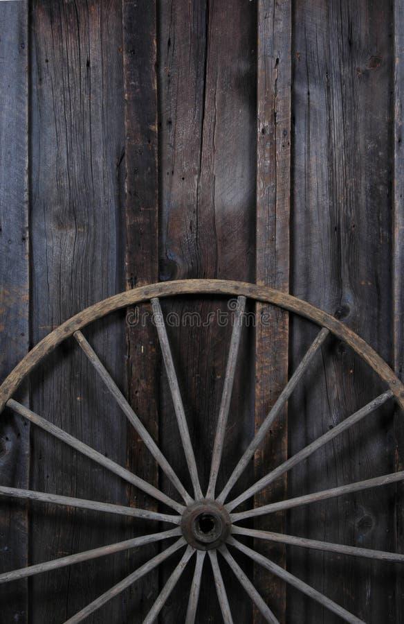 Download Roda de vagão foto de stock. Imagem de raios, vagão, país - 539322