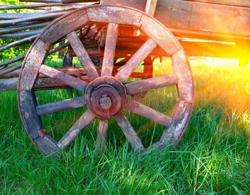 Roda do transporte velho imagem de stock royalty free