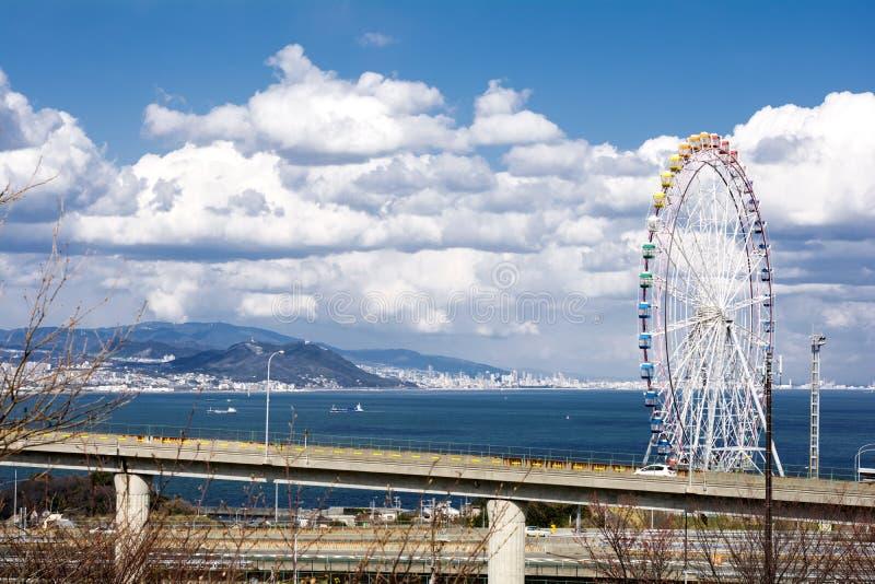 Roda e estrada de Ferris imagem de stock royalty free
